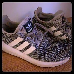 Kids Adidas sneakers. EUC